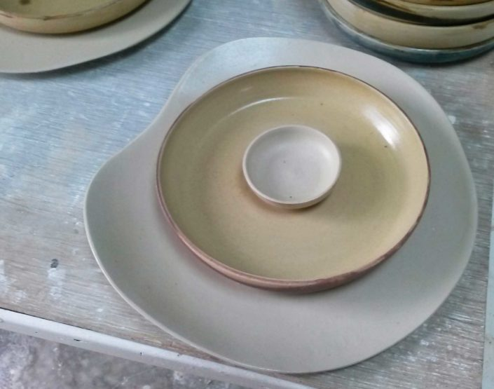 assiettes, design et réalisation Elsa Dinerstein, collaboration restaurant Miles, Bordeaux, gastronomie, art de la table elsa