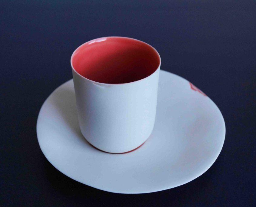 collaboration, tasse, collaboration elsa dinerstein ann Grim, porcelaine, fait main, ceramique creative, bar à caviar Boutary, métiers d'art, commande, makers, made in france