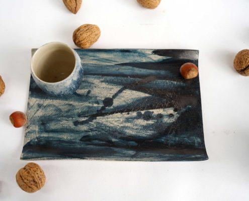 Atelier Elsa Dinerstein design et métiers d'art céramique contemporaine,az décor pictural, jus d'oxydes, cobalt, fait main