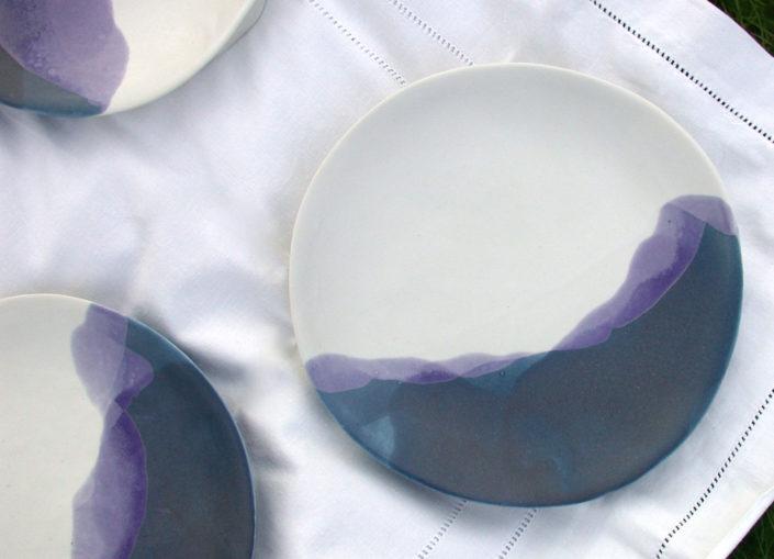 Atelier Elsa Dinerstein design ceramique céramique contemporaine vaisselle design et métiers d'art façonnage de la porcelaine à la main, émail composé par Elsa Dinerstein, bleu cobalt