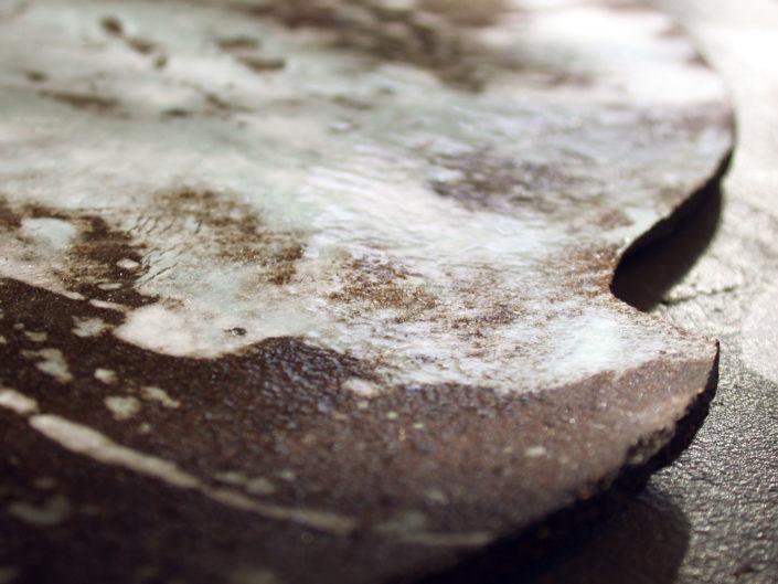 """création originale signée """"Atelier Elsa Dinerstein"""", esign et métiers d'art plat fait main décor en porcelaine pictural céramique contemporaine objets d'art"""